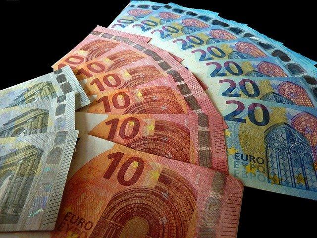 Italia presta soldi